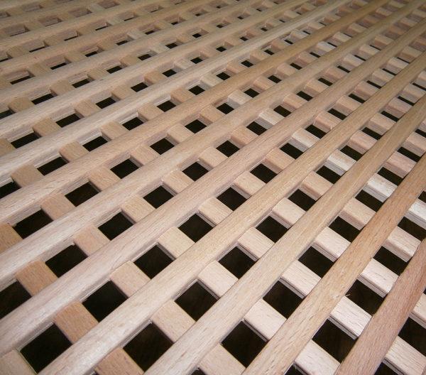 Решетка на фасад из массива