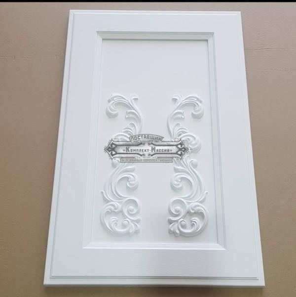 Белые фасады с декором