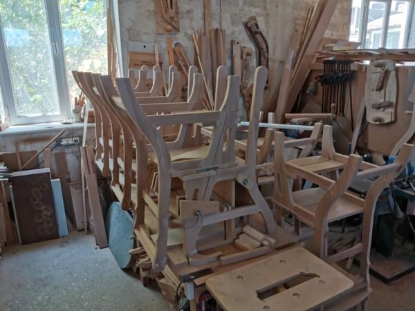 Стул из массива, деревянный стул, стульчик из дерева